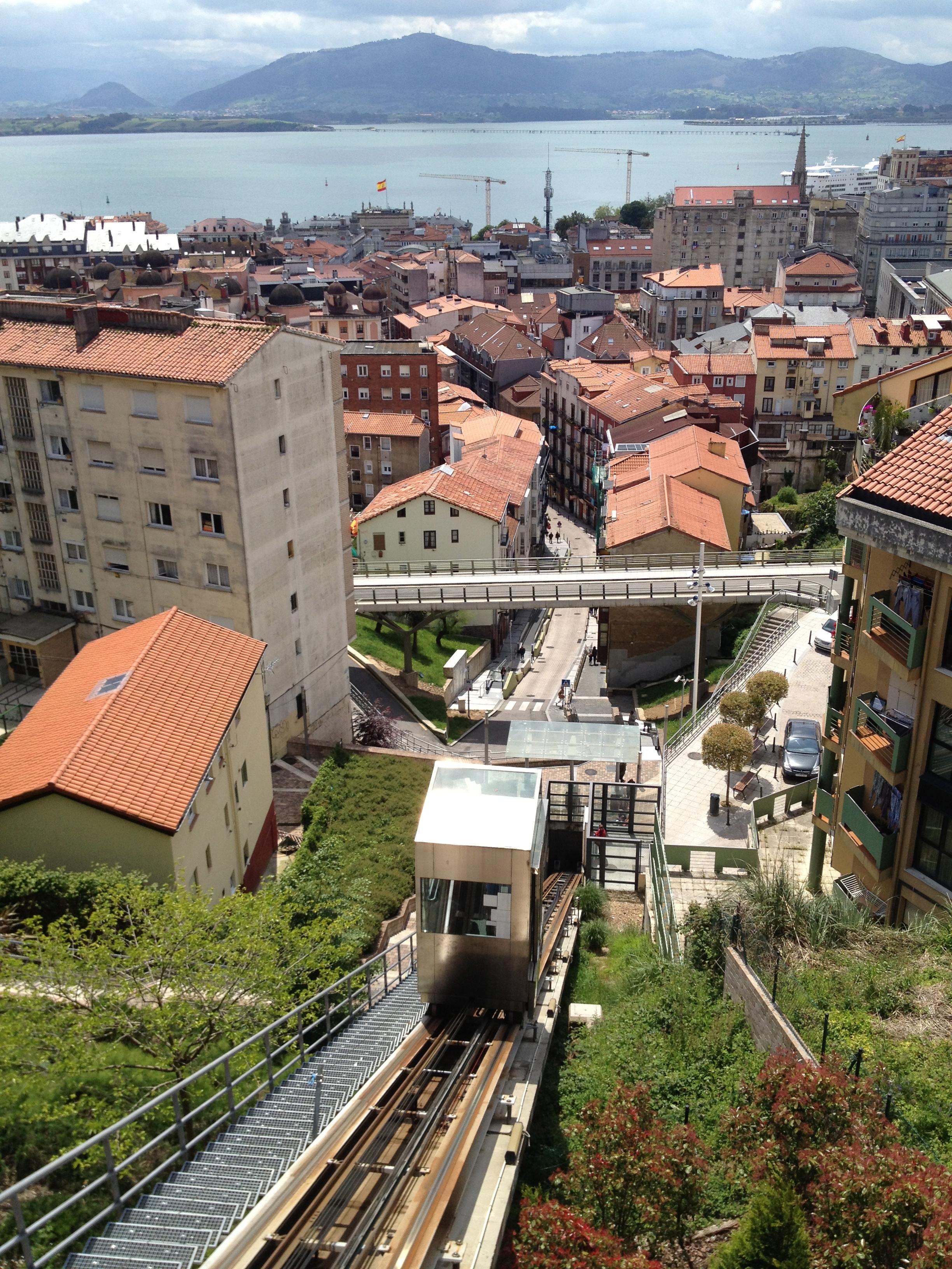 The funicular on rio de la pila pamela cahill - Be up santander ...