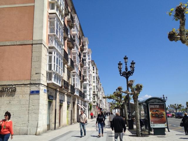 Paseo de Pereda strolling Santander