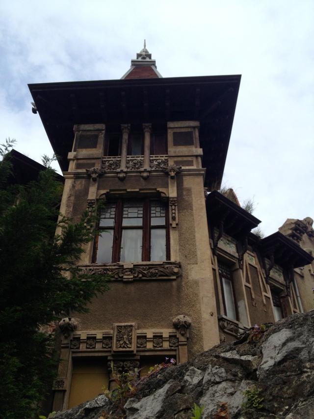 Villa Luisa Santander tower de la Sierra Nales architect Mendicoague