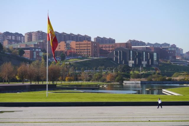 parque park llamas Santander lake